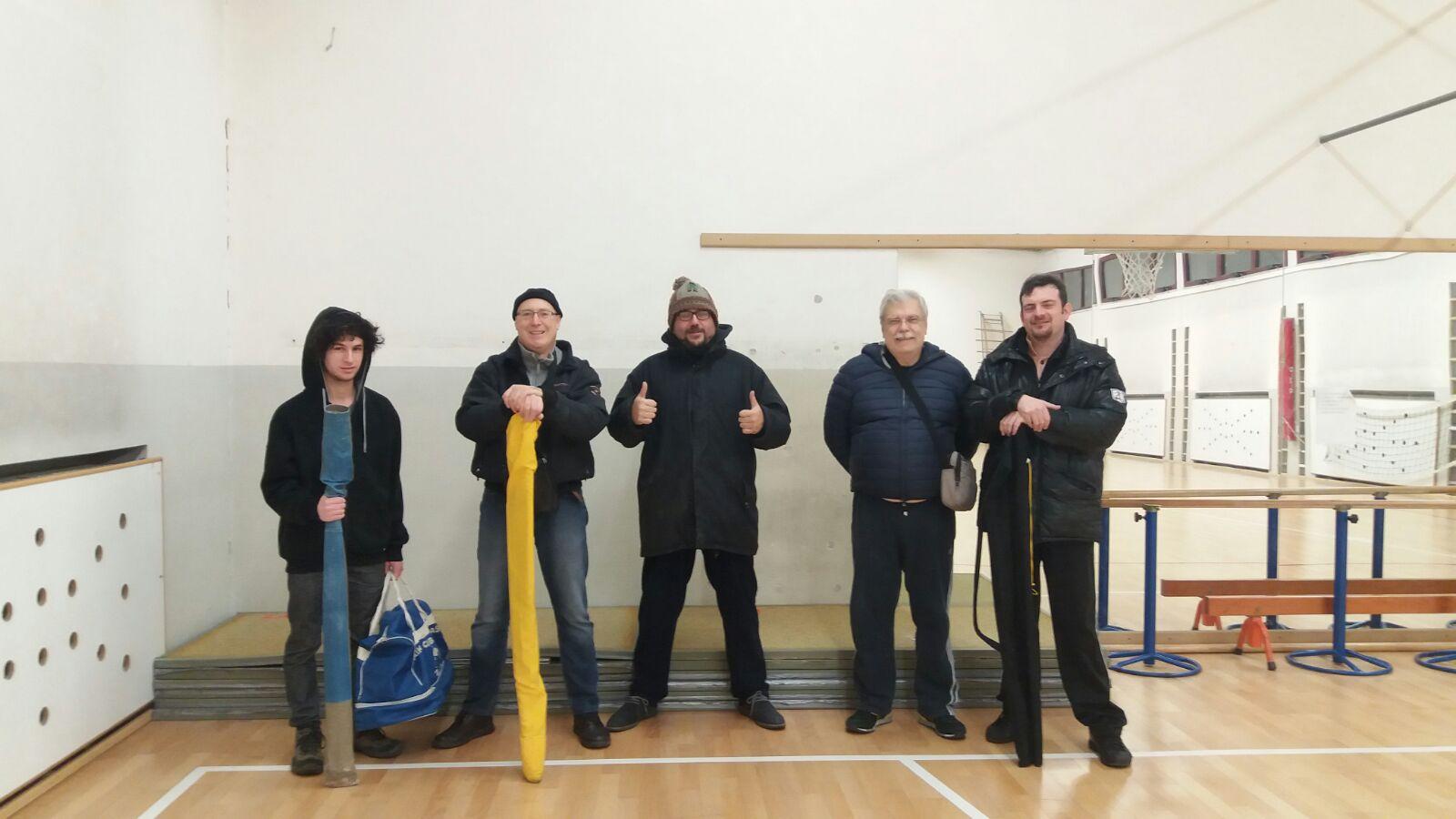 stage fondazione scuola Seikikan, squadra carico e scarico tatami